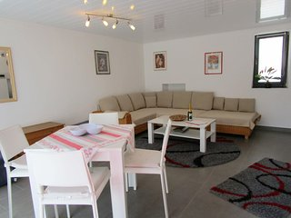Comfortable Apartment with Internet Access and Television - Nennig vacation rentals