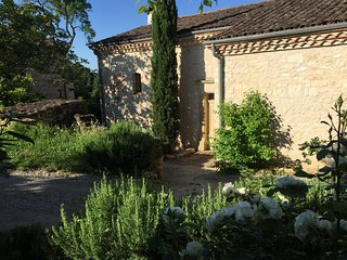 "Self catering ""Vieille Maresque"" charme et piscine - Albi vacation rentals"