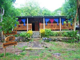 Hospedaje La Penita, Real family hostel - Altagracia vacation rentals