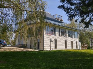 Perfect 8 bedroom Cottage in Goderich - Goderich vacation rentals