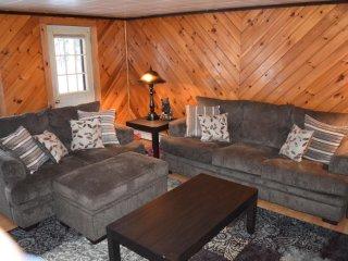 Cozy Cabin in Pittsburg Village - Pittsburg vacation rentals