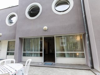 2 bedroom House with Elevator Access in Grenoble - Grenoble vacation rentals