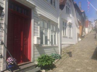 1 bedroom Condo with Internet Access in Bergen - Bergen vacation rentals