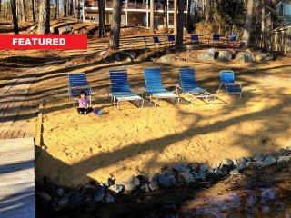 FALL SPECIALS! Main Lake 2800Sqft, Deep Water Boat House, Sandy Shore Pets - Henrico vacation rentals