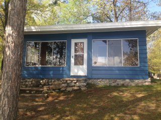 Long Lake-Cheboygan-Lakesend Cottage - Cheboygan vacation rentals