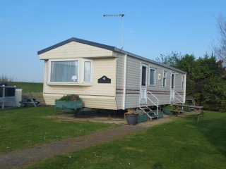 2 Bed 6 Berth Deluxe Holiday Home, DG, CH, Quite Location Haven Holidays KC25 - St Osyth vacation rentals