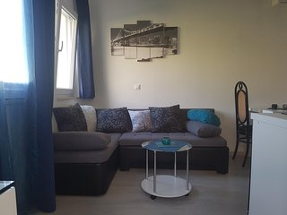 2 bedroom Apartment with Internet Access in Makarska - Makarska vacation rentals