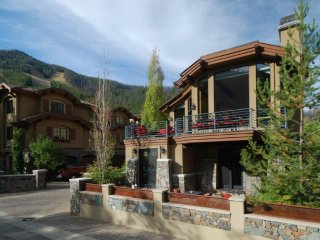 Luxury five-bedroom residence steps from Sun Valley lifts - Ketchum vacation rentals