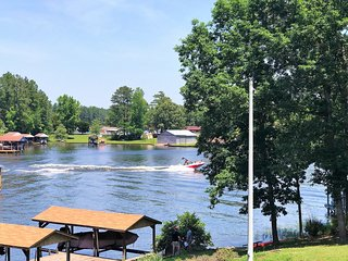 NEW LISTING! 5Bdrm, Main Lake Cove, Covered Double Boat Dock, Gentle Slope, Pets - Henrico vacation rentals