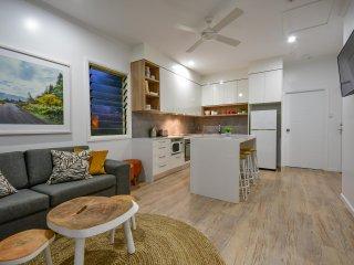 Blue Summit Hideaway - 3 Bedroom Spa Villa - Yungaburra vacation rentals