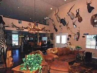 Green Acres Lodging & Event venue - Sanger vacation rentals