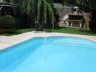 CLOS DES GARDONS,  GUESTHOUSE 12 persons - Lagny-sur-Marne vacation rentals
