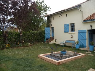 Lovely stone house near Saumur, Loire Valley - Doue-la-Fontaine vacation rentals