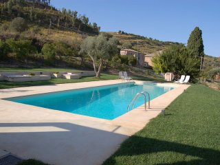 La Casa di Parasporino - The architecture is typical of the Sicilian summer houses - Enna vacation rentals