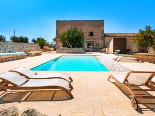 Le Edicole - Beautiful villa with swimming pool surrounded by nature near Ragusa and the sea - Ragusa vacation rentals