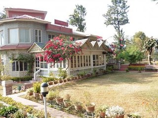 Homely stay for a couple with a beautiful garden - Chamba vacation rentals