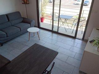 T2 meublé, indépendant tout confort avec balcon expo Sud et garage - 2 couchages - Challes-les-Eaux vacation rentals