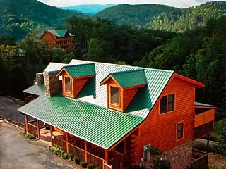 BEST 6 BEDROOM VALUE IN PIGEON FORGE***GREAT RATES****GREAT LOCATION - Pigeon Forge vacation rentals