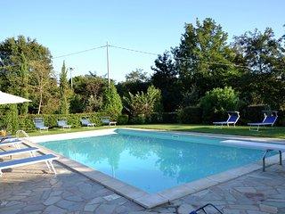 Villa Vale - Villa with large garden, lots of privacy and close to the center of Cortona - Pergo di Cortona vacation rentals
