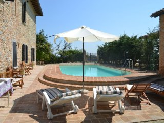 Angels House - Magnificent old country house with garden and private pool, with wifi - Tabiano Castello vacation rentals