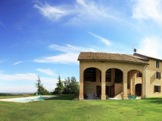 Ca' de Poi - Magnificent old country house with garden and private pool, with Wifi - Salsomaggiore Terme vacation rentals