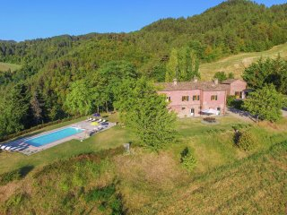 Vanzetto - Villa with swimming pool and panoramic view of the Apennines - Tredozio vacation rentals