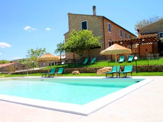 Casale a Montescudaio - Intero - Typical Tuscan farmhouse, surrounded by vineyards - Montescudaio vacation rentals