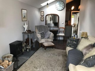 Dippy Cottage luxury romantic coastal escape - Bexhill-on-Sea vacation rentals