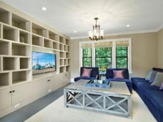 Nice 7 bedroom House in Wainscott with Fireplace - Wainscott vacation rentals