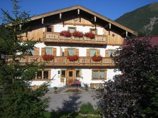 Nice Condo with Internet Access and Wireless Internet - Berwang vacation rentals
