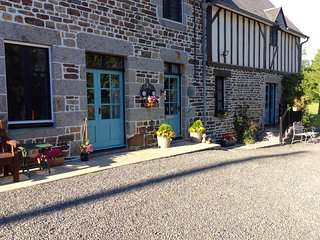 Maison May Family Friendly B&B Family Room sleeps 4 - La Chapelle-Uree vacation rentals