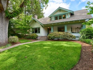 Park Place: A Historic Home in Downtown Mac - McMinnville vacation rentals