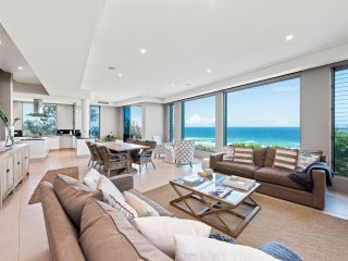 'Magnificent Beachfront Home Noosa' - Marcus Beach vacation rentals