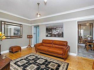 Prestigious and Highly Convenient Location KIRR1 - Kirribilli vacation rentals