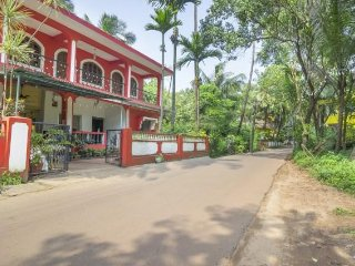 Homely stay for backpackers, 3.4 km from Candolim Beach - Nerul vacation rentals