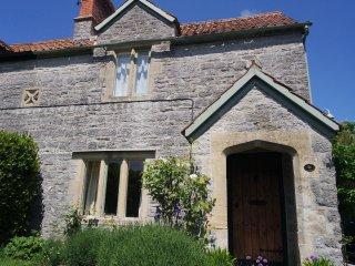 Kitchen Garden Cottage - in pretty village near Glastonbury - Butleigh vacation rentals