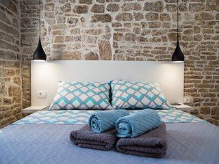 Stone house apartment - Sibenik vacation rentals