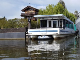 Luxury American Floating Home at Riverscapes - East Molesey vacation rentals