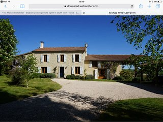 Charming Gascony farmhouse with pool, sleeps 12, pet friendly, near Lectoure. - Terraube vacation rentals