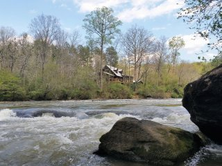 Chattahoochee River Fun: Sparkleberry Shoals Cabin - Cleveland vacation rentals