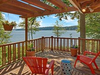 Laid-back Luxury with stunning views on Bainbridge Island! Air conditioned! - Bainbridge Island vacation rentals