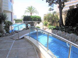 ApartBeach FontMar primera linea, aire, piscina y vistas al mar - Salou vacation rentals