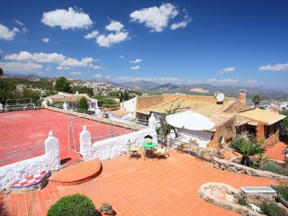 Comfortable 4 bedroom Pego House with Internet Access - Pego vacation rentals