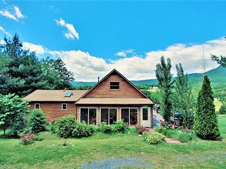 A Lazy River Cabin- Breath Taking Views! - Luray vacation rentals