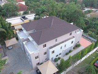Spacious 4 bedroom Abuja Penthouse with Internet Access - Abuja vacation rentals
