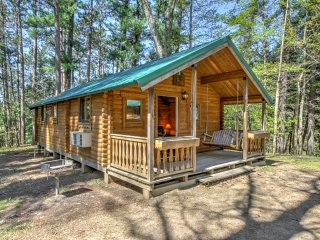 NEW! 2BR Wisconsin Dells 8-Sleeper Chalet - Baraboo vacation rentals