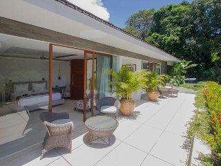 4 bedroom Villa with Internet Access in Jalan Raya Tanah Lot - Jalan Raya Tanah Lot vacation rentals