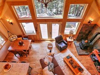 New! Cozy 3BR Cabin in Lake Almanor w/ Large Deck! - Lake Almanor vacation rentals