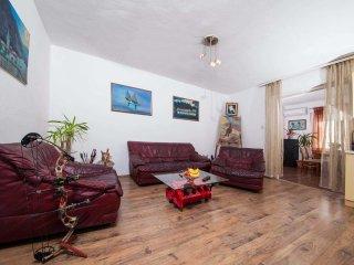 3 bedroom Apartment with A/C in Makarska - Makarska vacation rentals
