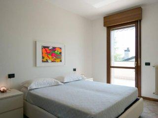VERY CONFORTABLE ATTIC IN VENICE - ATTICO MOLTO CONFORTEVOLE A VENEZIA - Mestre vacation rentals